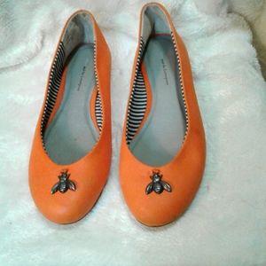 Women's beautiful orange ballet flats size 9M shoes